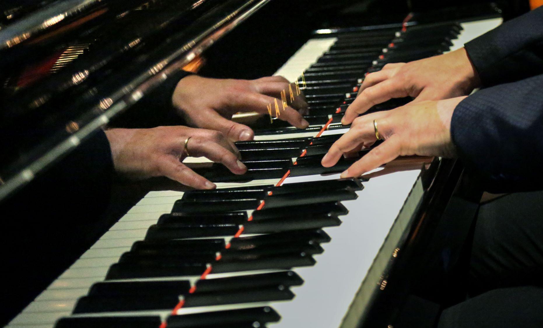 Piano - English Sinfonia